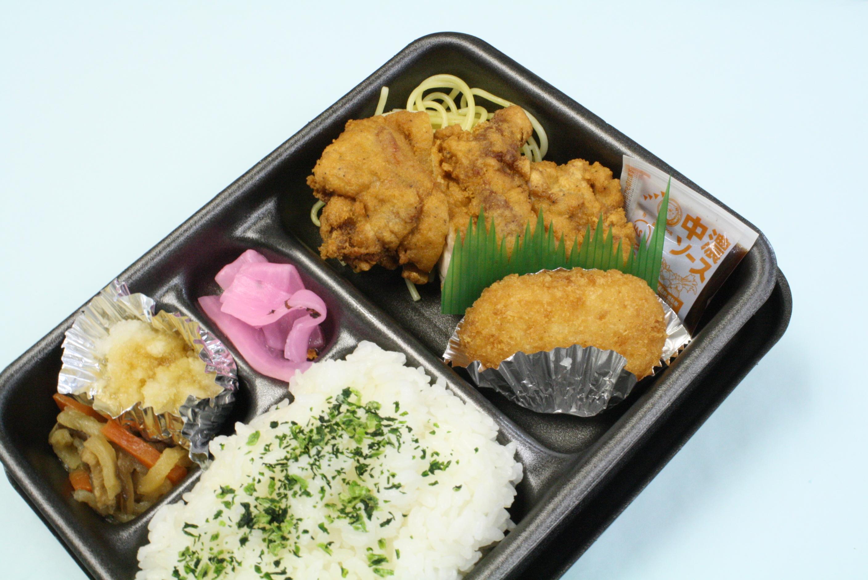 鶏もも肉のおろし竜田揚げとカニクリームコロッケ弁当